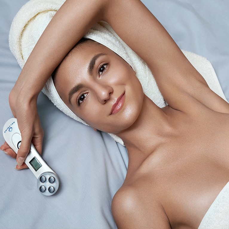 Bring the Spa Home: New, trendy, noninvasive skin treatment, LED Light Therapy and its benefits on dull skin