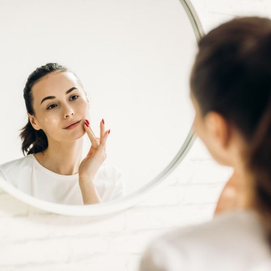 Wrinkle-Causing Habits to Avoid