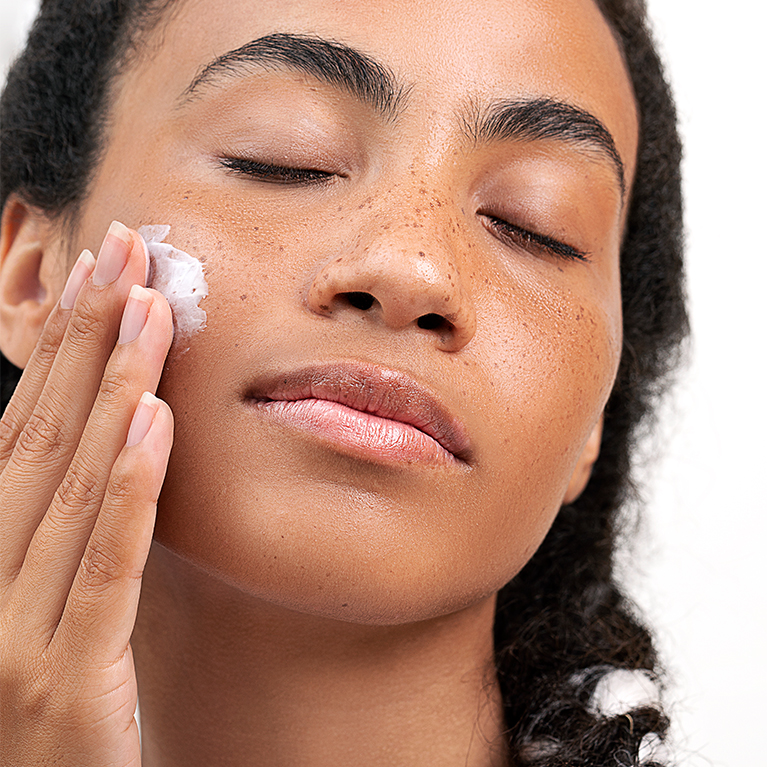 How To Properly Apply Your Skin Care Products